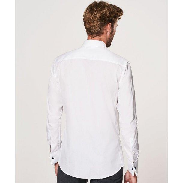 Biała koszula z kołnierzykiem bardzo rozłożystym  mVEXG